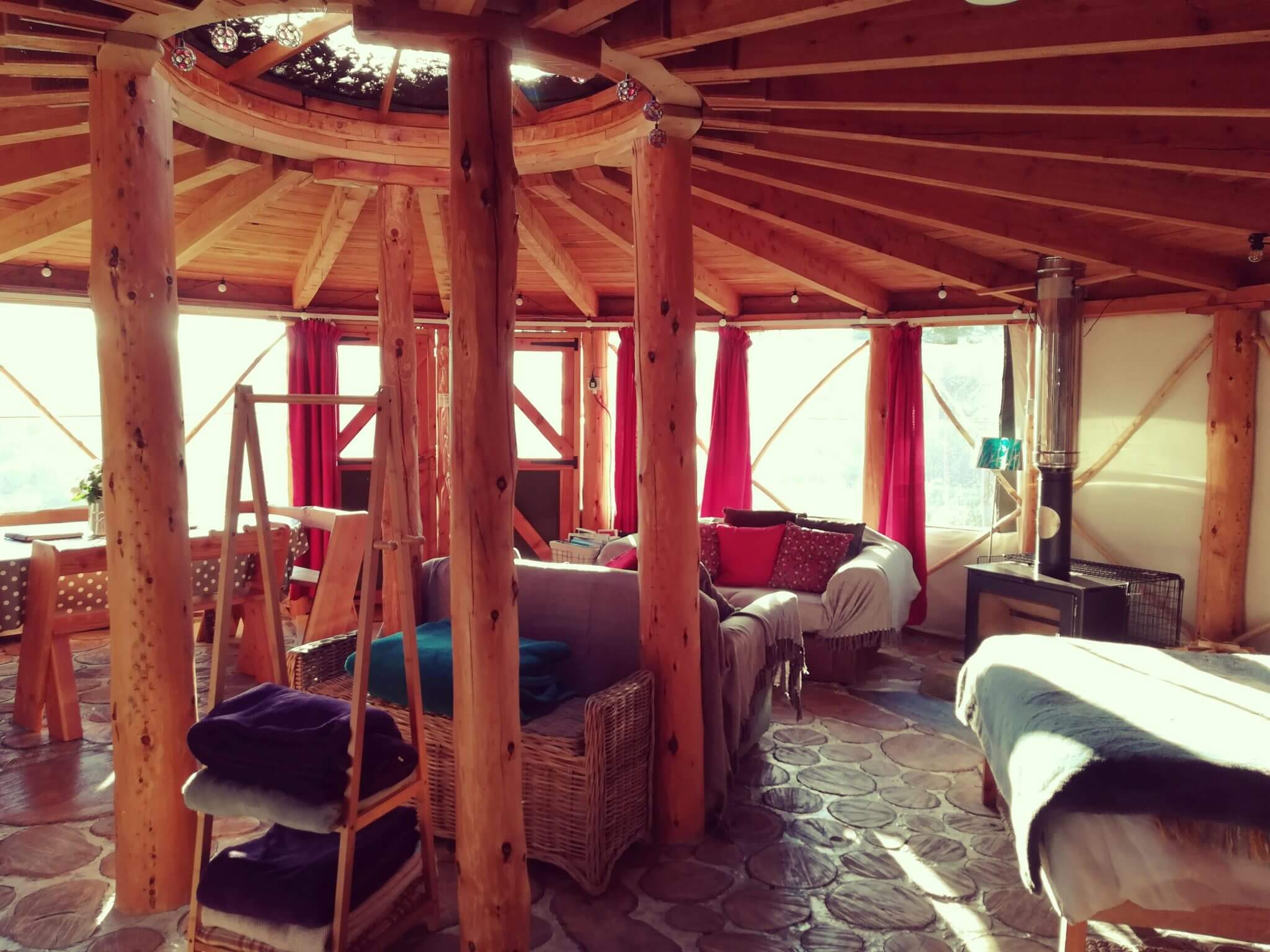 RUSTIC ROUNDHOUSE